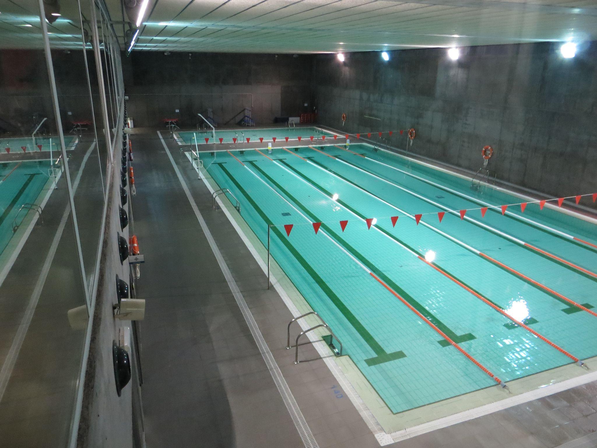 Piscina duquesa villahermosa centro deportivo municipal for Piscinas climatizadas zaragoza